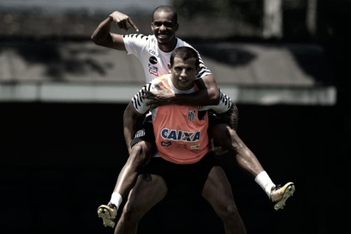 Copete e Vecchio deixam treino e são dúvidas para partida contra Cruzeiro