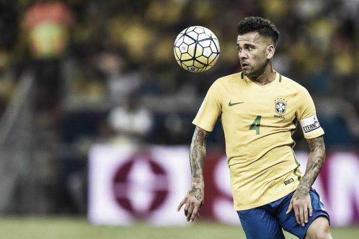 """Alves: """"Ramos es el mejor defensa al que me he enfrentado"""""""