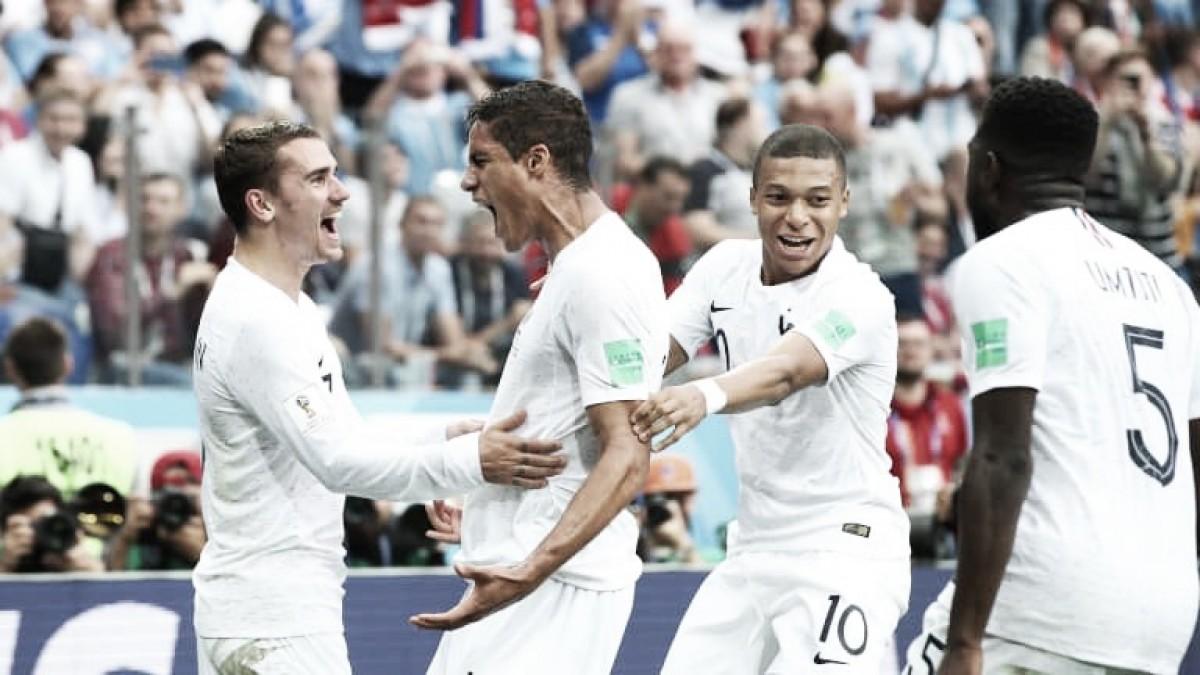 Com um gol em cada tempo, França supera defesa do Uruguai e vai à semifinal da Copa
