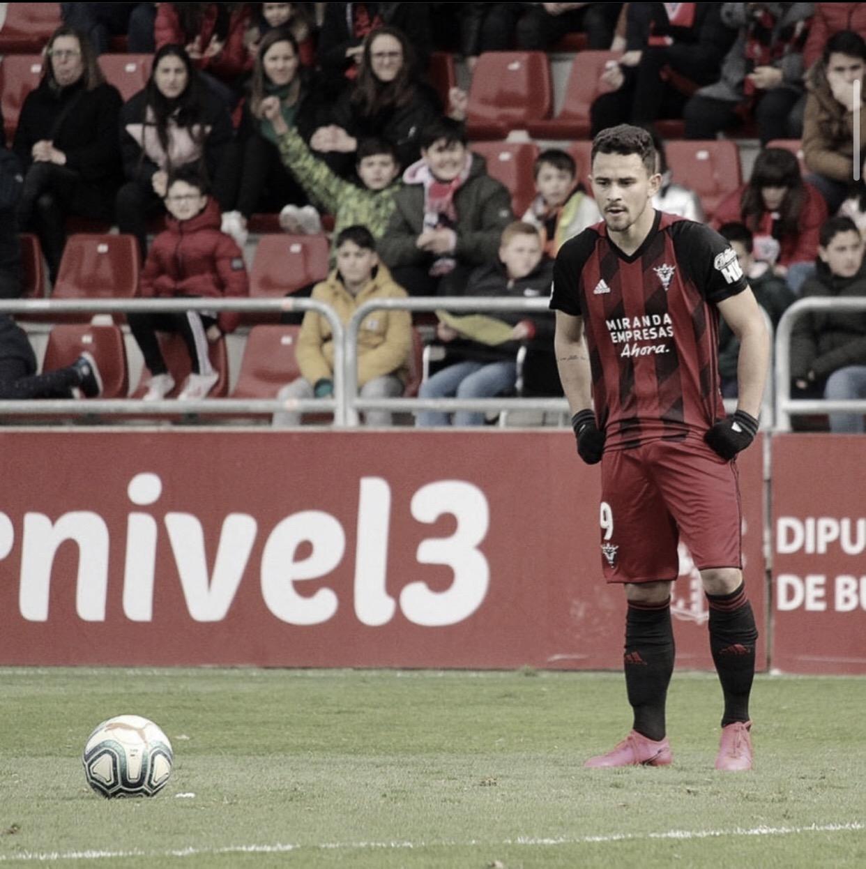 Matheus Aias, atacante do Mirandes, na mira de times da La Liga