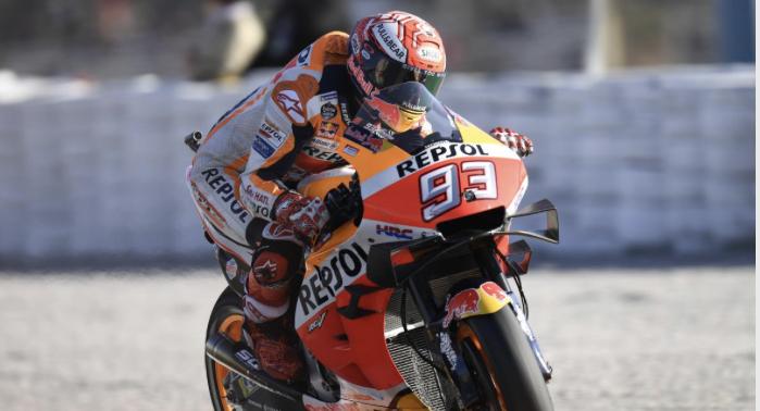 Traca final para Márquez en Valencia y abrazos emotivos para Jorge Lorenzo en su último GP