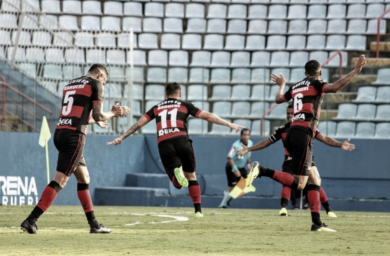 Oeste faz dever de casa, bate Guarani e tem primeira vitória na Série B