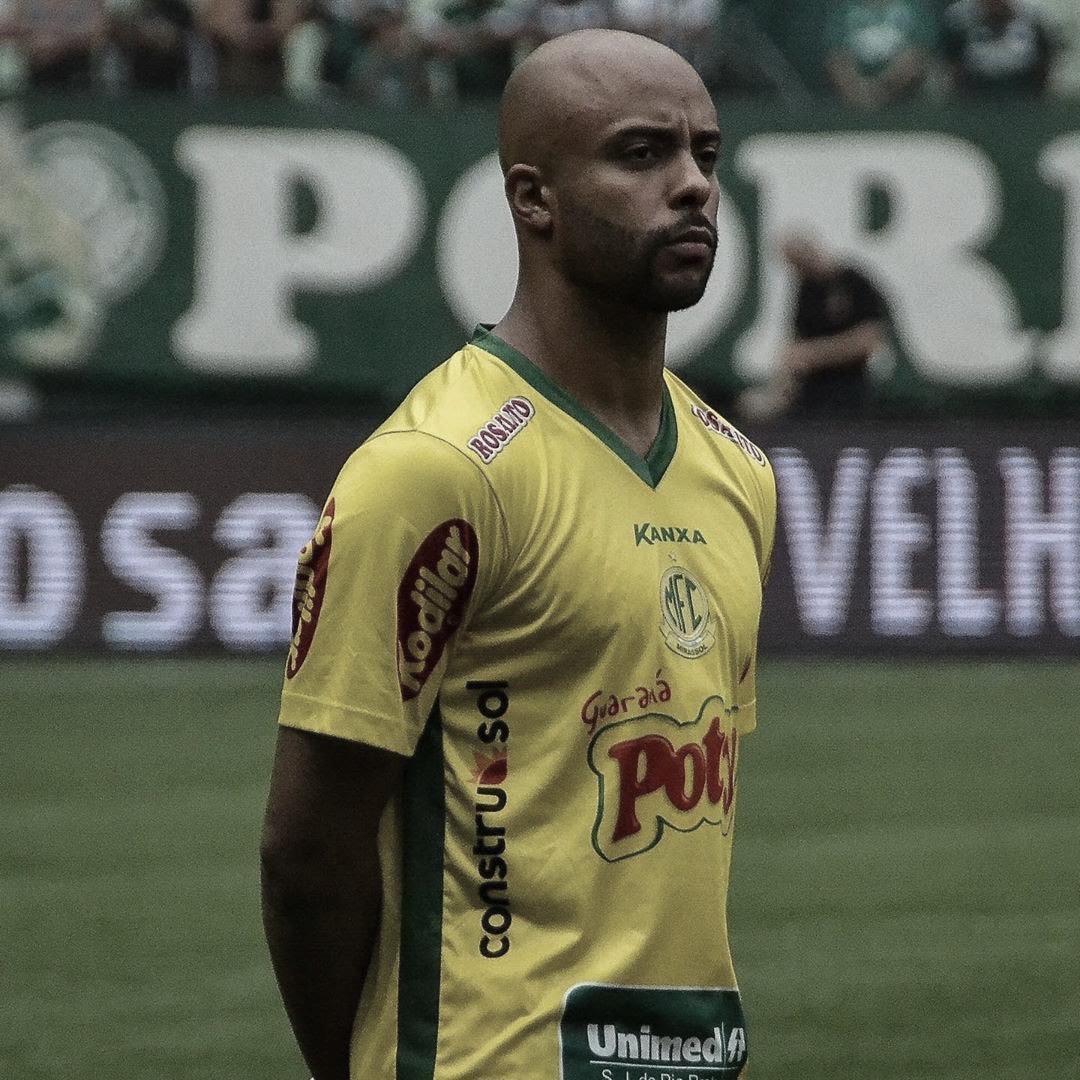 Romário se destaca na lateral do Mirassol e será desfalque contra o Santos