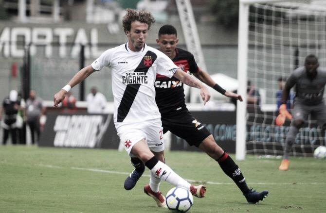 Vasco acerta empréstimo de Rafael Galhardo ao Grêmio até o fim do ano