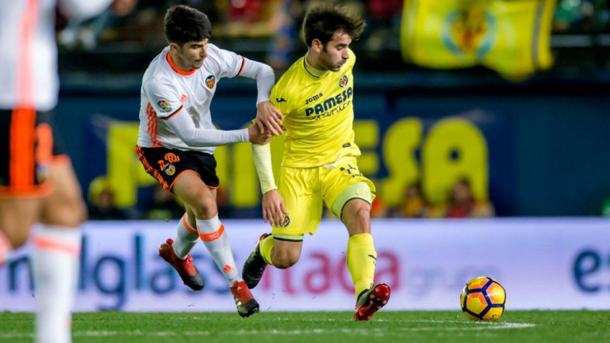 El Villarreal hace frente al eterno rival