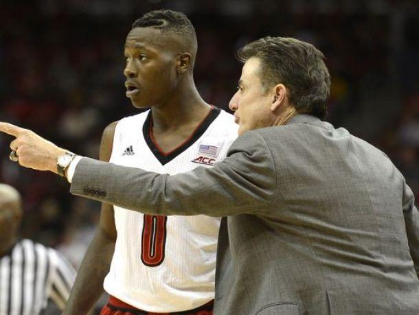 Louisville Dominates Savannah State 87-26
