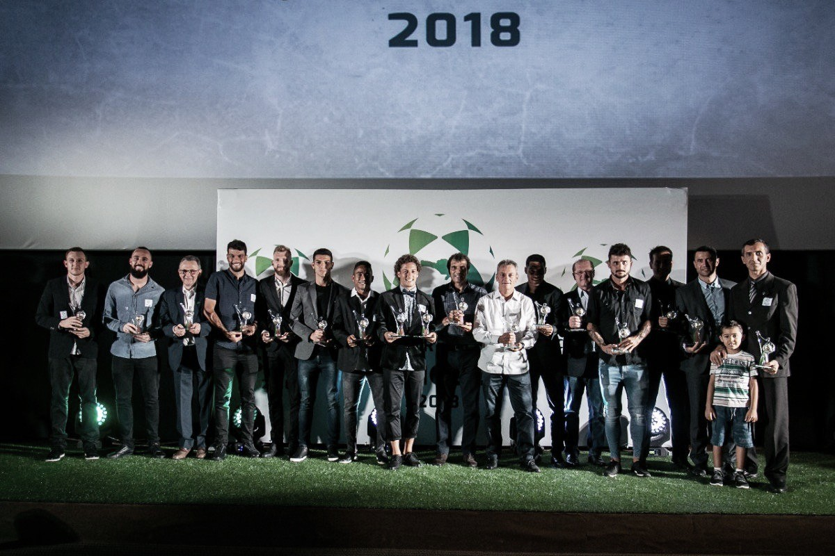 Figueirense e Chapecoense dominam noite de premiação dos melhores do Catarinense 2018