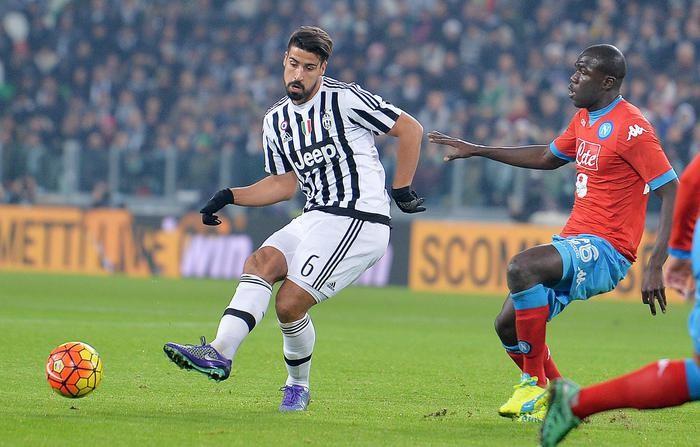 Juve-Napoli, i bianconeri sfoggiano l'armeria pesante, gli azzurri il tridente dei folletti