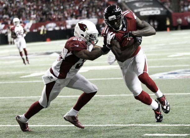 Los Falcons dominan a los Cardinals en Atlanta