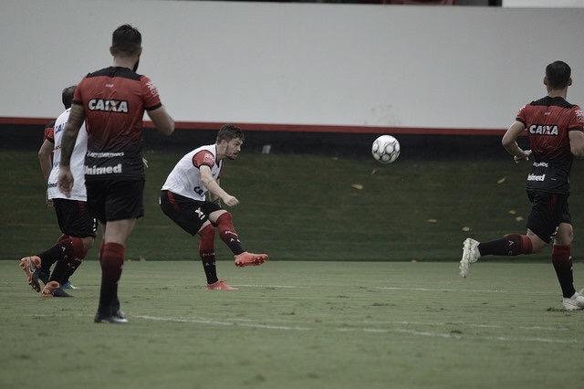 Atlético-GO recebe o Vila Nova em casa com os times buscando vaga no G-4