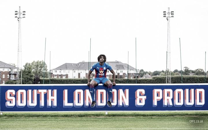 Promessa inglesa, atacante Eberechi Eze é apresentado ao Crystal Palace