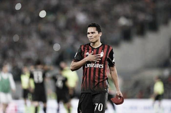 """Bacca deixa em aberto permanência no Milan: """"Sonho em jogar a Champions League"""""""