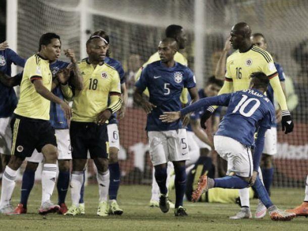 """Il Brasile fa la vittima. Follia Neymar: """"Sono io ad aver preso un pugno..."""""""
