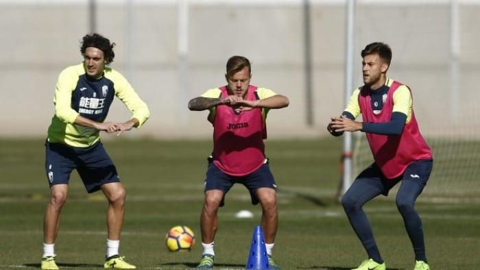 Tres jugadores en la enfermería del Granada CF
