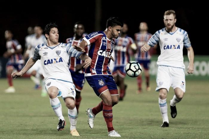 Bahia sai na frente, mas Avaí arranca empate no Pituaçu