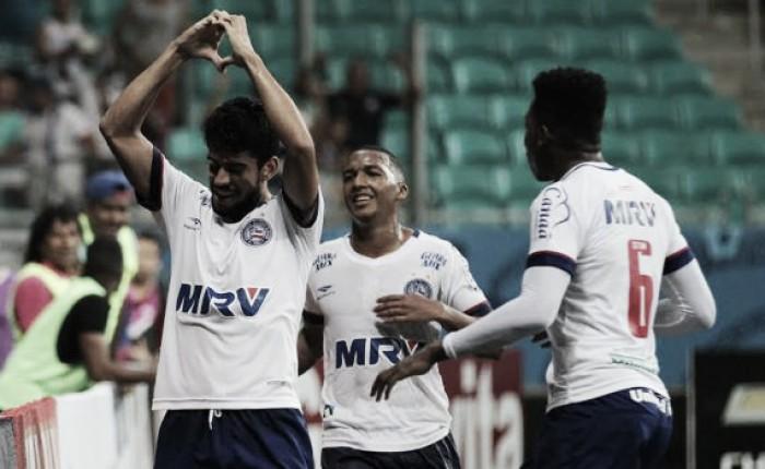 Com dois de Zé Roberto, Bahia aproveita expulsão do Avaí no primeiro tempo e vence na Fonte