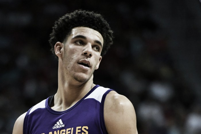 Watch Lonzo Ball's first points as a Laker