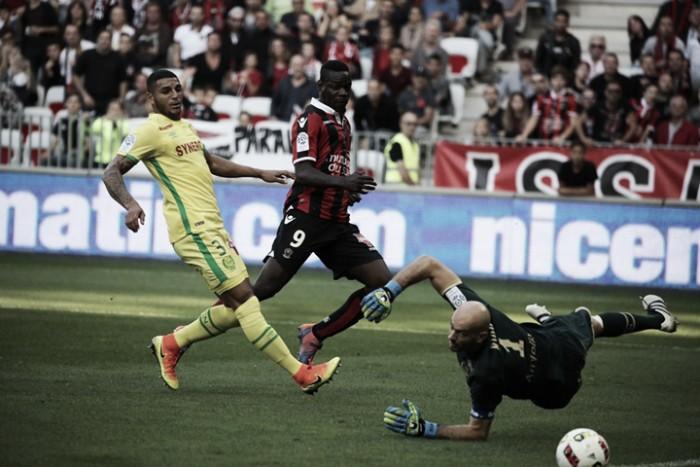 Balotelli comanda goleada diante do Nantes e Nice abre seis pontos de vantagem na liderança