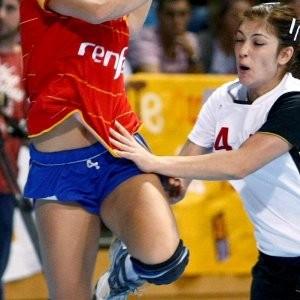 La utopía del profesionalismo de nuestro balonmano femenino