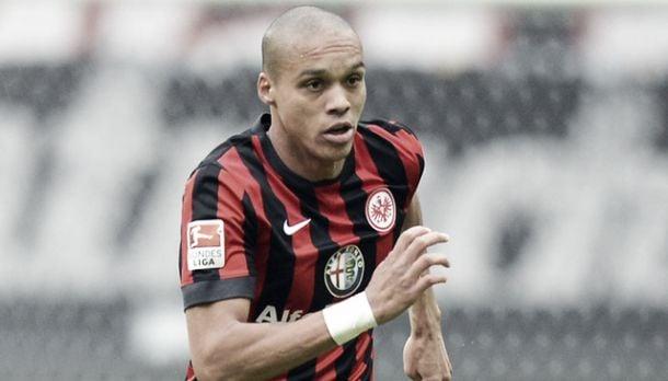 Eintracht Frankfurt defender signs for a further three years