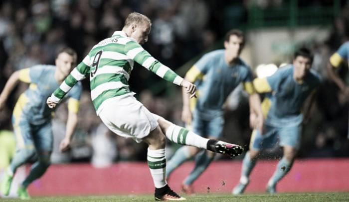Com um pênalti em cada tempo, Celtic bate Astana e avança aos playoffs da Champions League