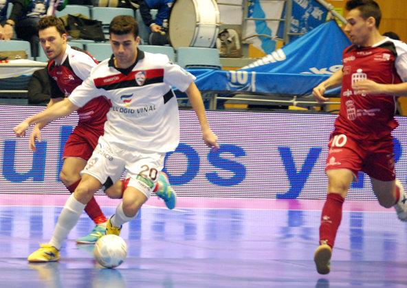 Santiago Futsal y Caja Segovia hacen del fútbol sala un espectáculo