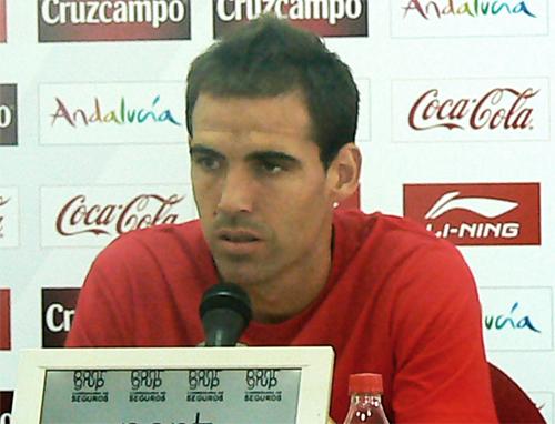 """Fernando Navarro: """"Míchel quiere que seamos protagonistas con el balón"""""""