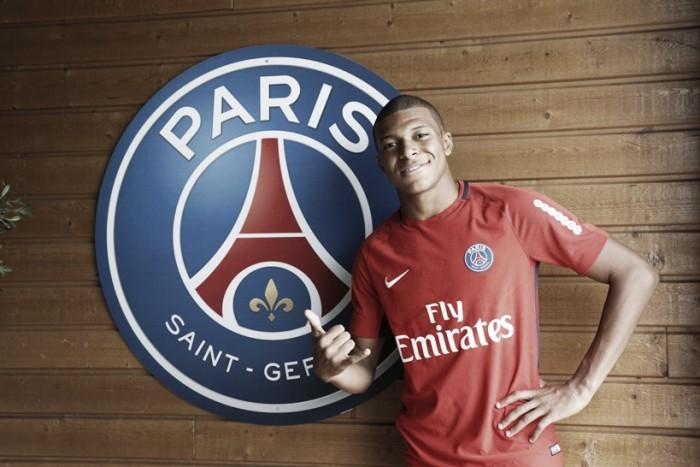 Ainda sem principais companheiros, Mbappé participa de primeiro treino pelo PSG