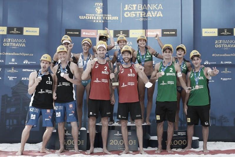 Duplas do Brasil no vôlei de praia vão bem e conquistam bronze em Ostrava