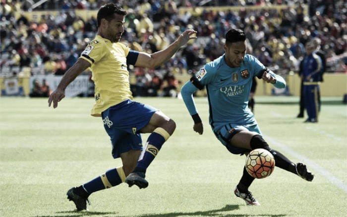 Las Palmas 1-2 Barcelona: Suarez and Neymar make it 32 unbeaten for Barca