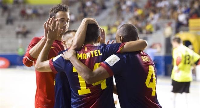El FC Barcelona Alusport arolla al MNK Split en el primer partido de la Ronda Élite