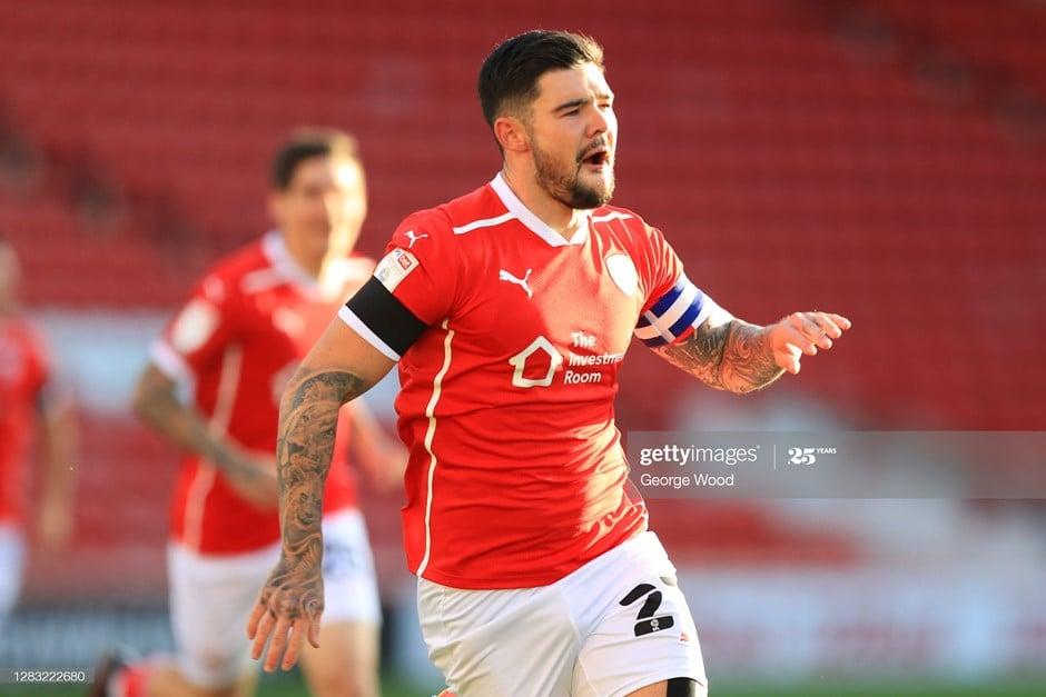 Barnsley skipper Mowatt hopeful of agreeing new contract