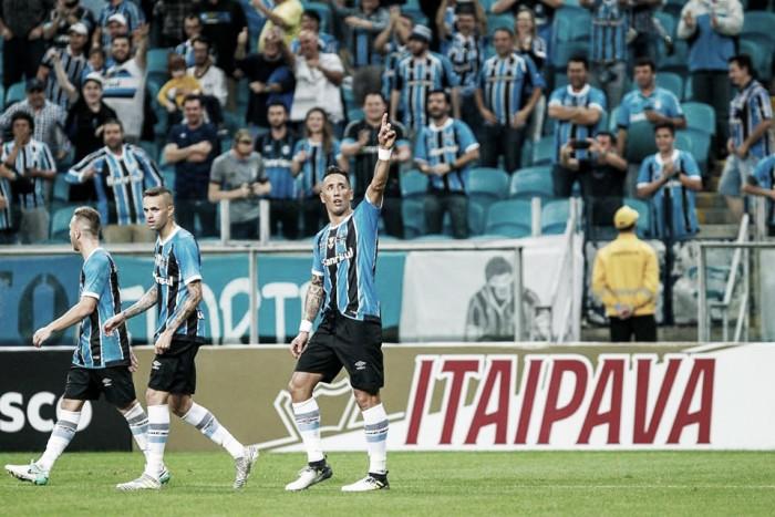 """Grêmio se aproxima de classificar sobre Atlético-PR, mas Barrios pondera: """"Tudo pode acontecer"""""""