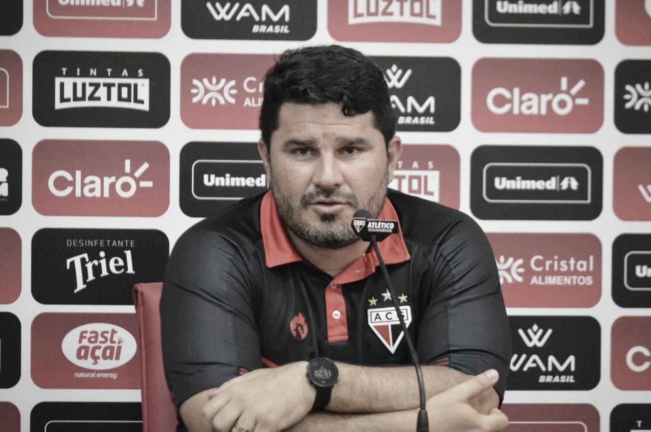 Eduardo Barroca celebra vitória e vê próximos jogos do Atlético-GO como 'finais'