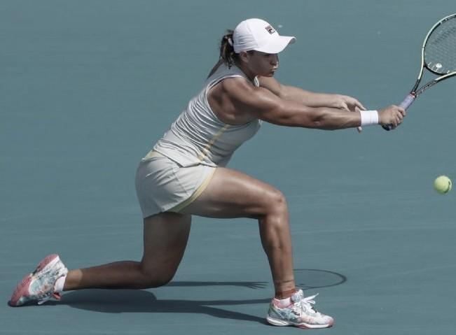 Barty vence duelo de ex-campeãs contra Azarenka em Miami; Svitolina vira contra Kvitova