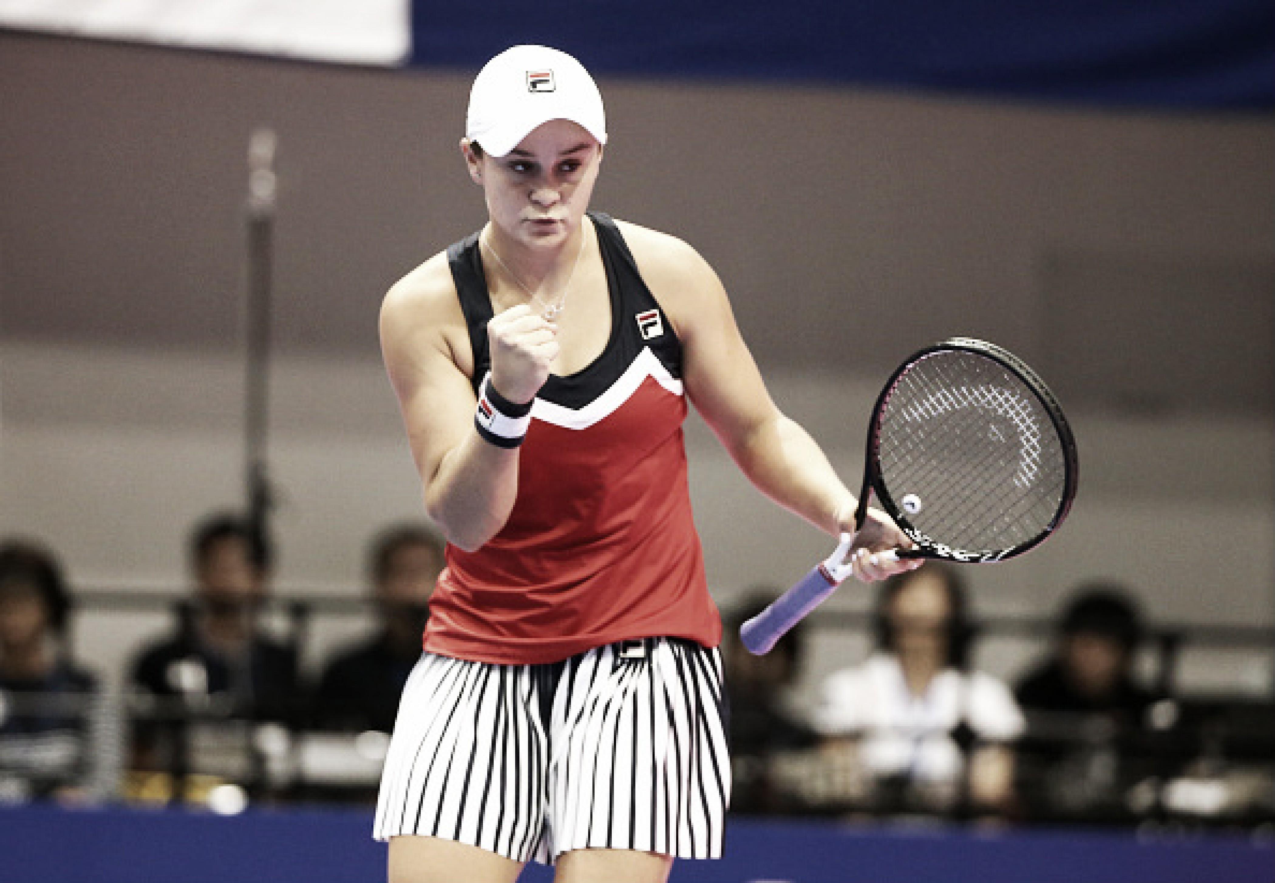 Em duelo de companheiras de duplas, Barty supera Vandeweghe em Tóquio