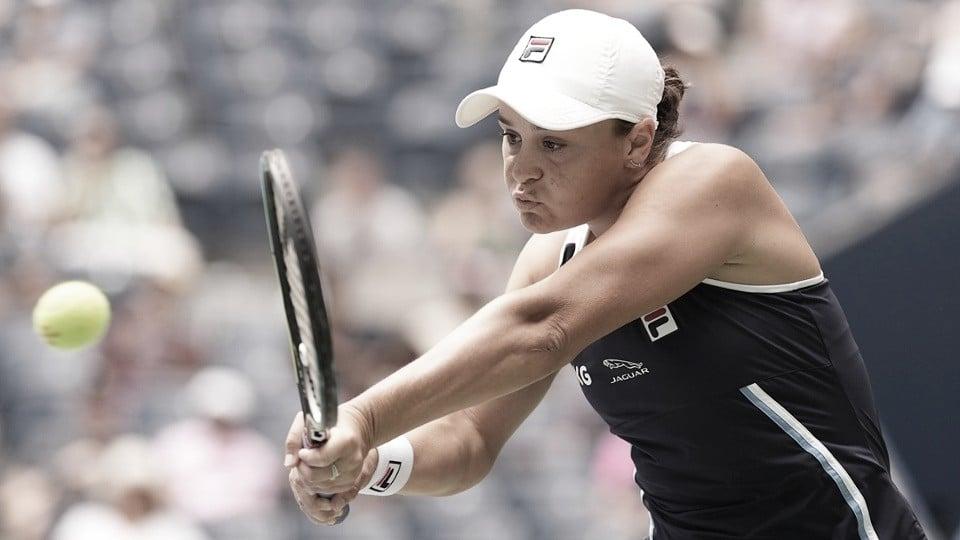 Barty freia reação de Zvonareva e vence na estreia do US Open