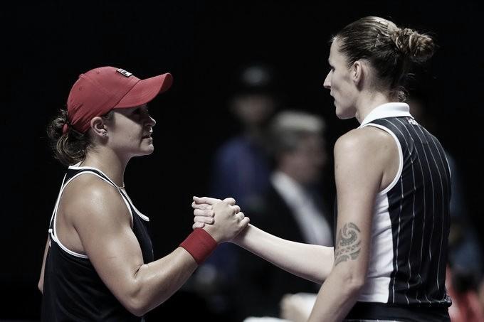 Em duelo das líderes do ranking, Barty vence Pliskova e chega à decisão do WTA Finals