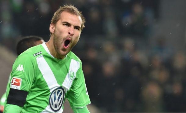 Wolfsburg - PSV 2-0, Lupi primi nel girone