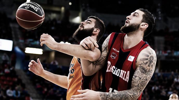 Resumen Kirolbet Baskonia vs Valencia Basket en Liga Endesa 2018 (77-56)
