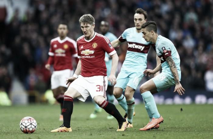 Mourinho corta Schweinsteiger da Europa League, mas o inscreve na Premier League