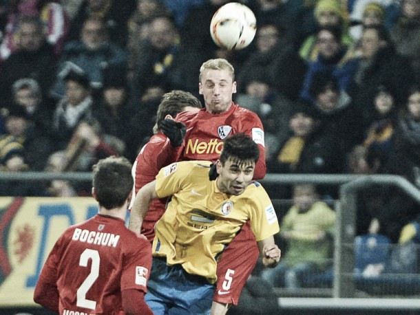 Eintracht Braunschweig 1-0 VfL Bochum: Visitors' rotten run continues as Lions roar to victory