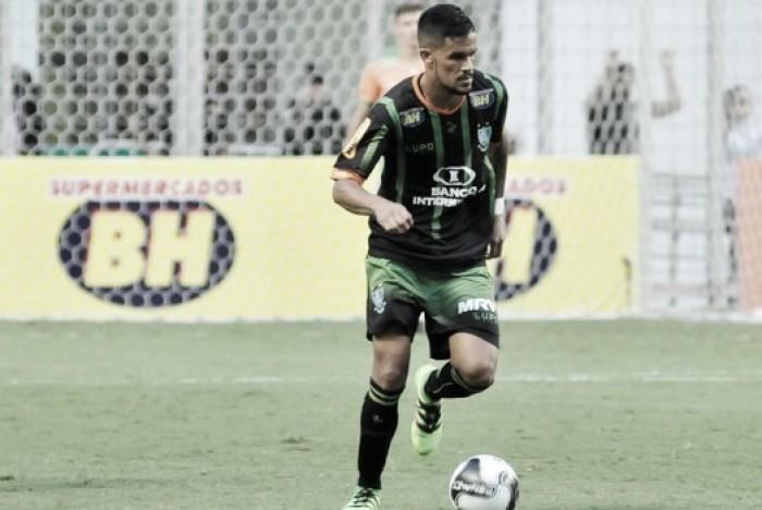 Rafael Bastos acerta saída do América-MG e conclui transferência para Chapecoense