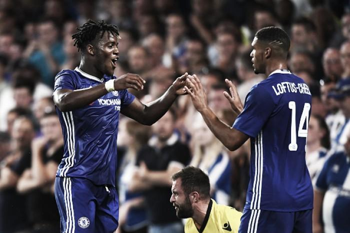 Batshuyi marca dois na estreia como titular e Chelsea elimina Bristol Rovers na EFL Cup