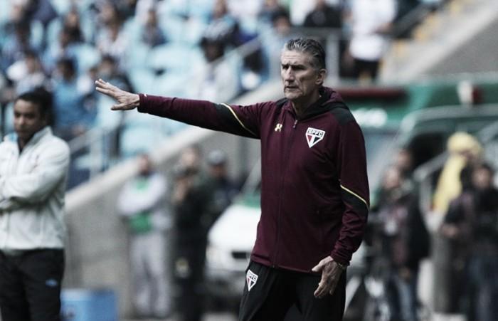 """Bauza critica desempenho da equipe: """"Jogamos a pior partida do campeonato"""""""