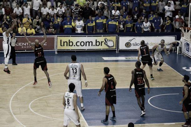 São José/Unimed vence Flamengo em casa e força jogo 5 no Novo Basquete Brasil