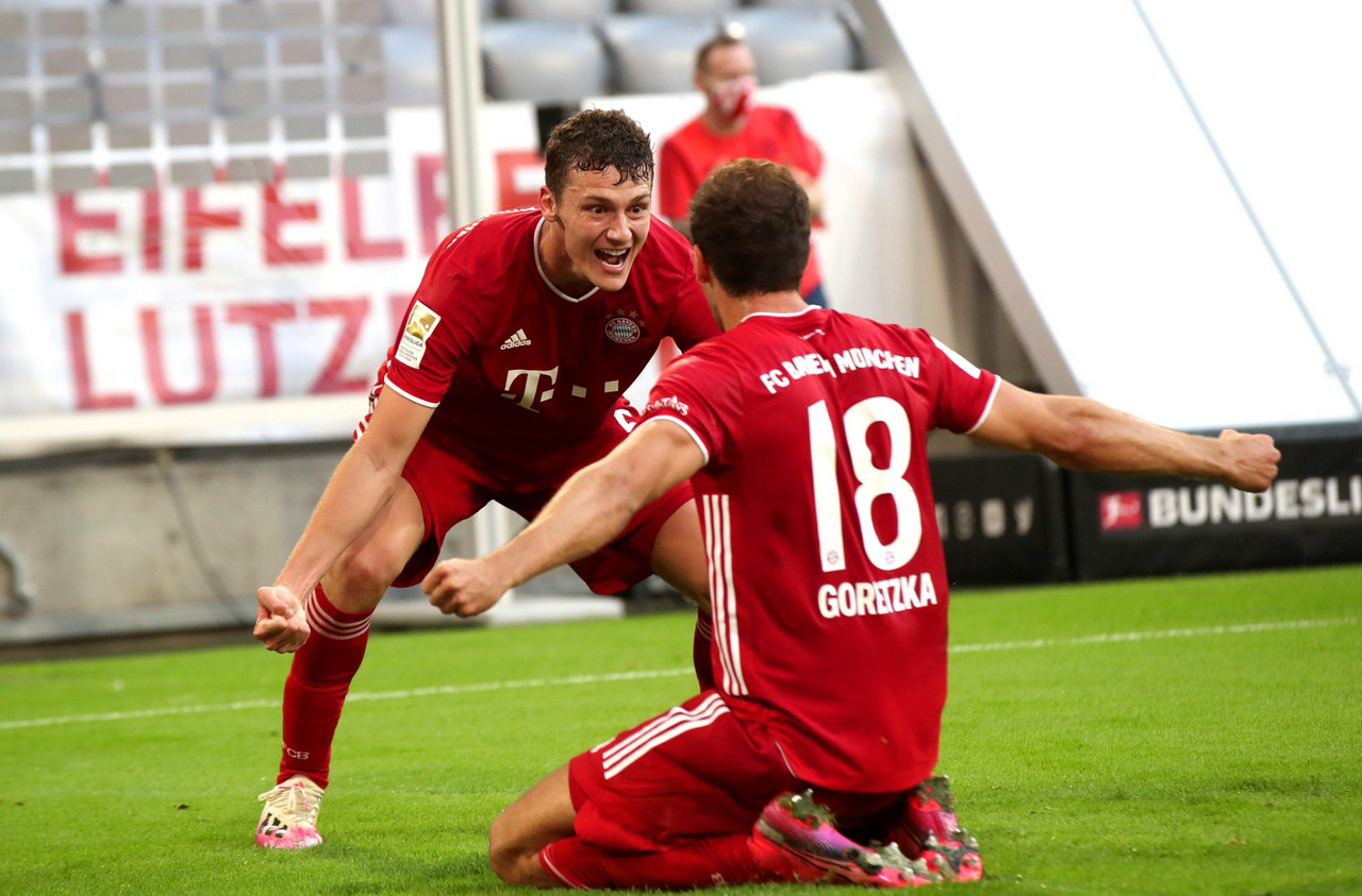Il Bayern vince nel finale e si avvicina al titolo: Gladbach battuto 2-1