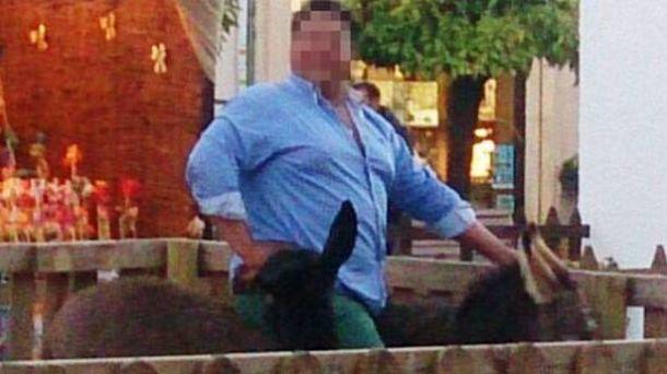En libertad con cargos el responsable de la muerte del burro en el Belén de Lucena