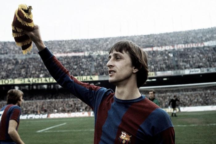 Johan Cruyff y las dos manitas al Madrid