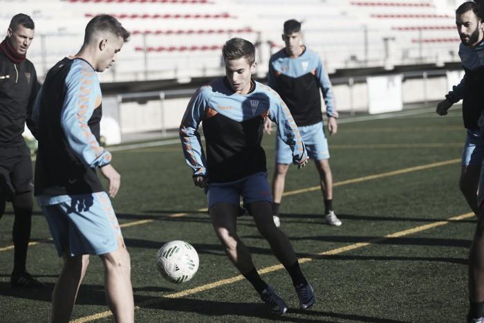 Los jugadores del CF Gavà vuelven a cobrar